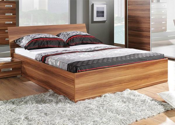 Ülestõstetava põhjaga voodi