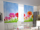 Läbipaistev kardin Bright gerberas in the kitchen 200x120 cm ED-98580